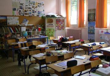 FRANCE : Sanctionné pour avoir lu la Bible en classe, un enseignant  attend toujours  d'être réintégré.