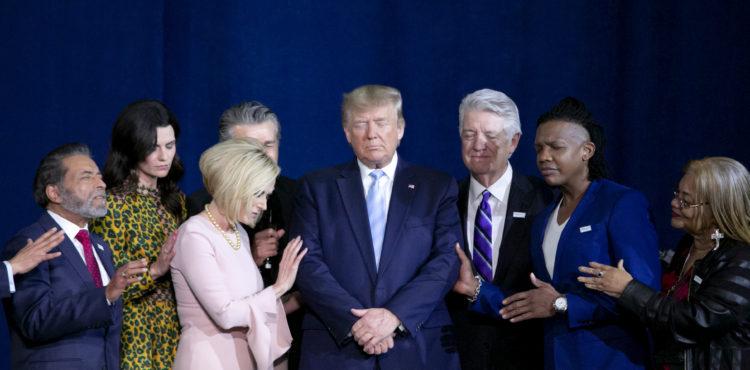 États-Unis: Donald Trump a décrété une journée de prière nationale contre le Coronavirus