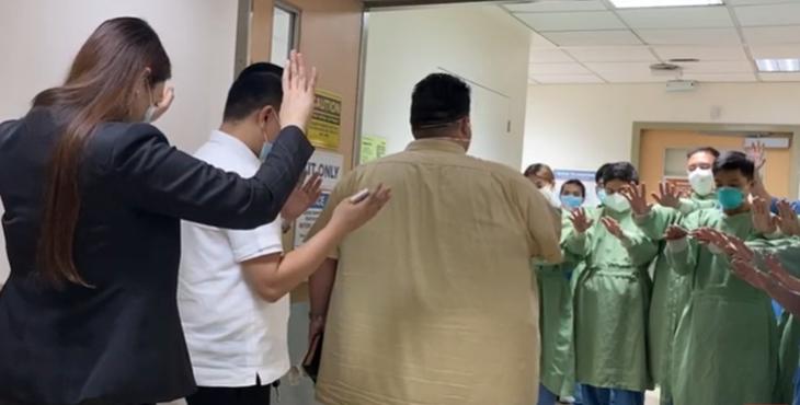 Philippines : Des médecins et des infirmières, en plein combat contre le Covid-19, acceptent Jésus.