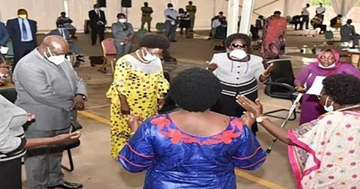 Ouganda : Les parlementaires remercient Dieu pour sa protection face au Covid-19