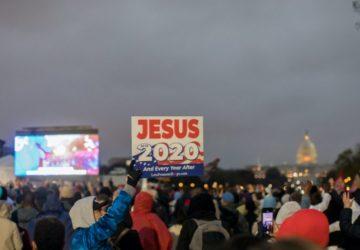 USA/ EN PLEINE COVID-19, PLUS DE 35000 CHRETIENS RASSEMBLES POUR LOUER DIEU A WASHINGTON